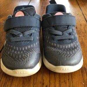 Nike Shoes - Toddler girl Nike Free RN  size 5